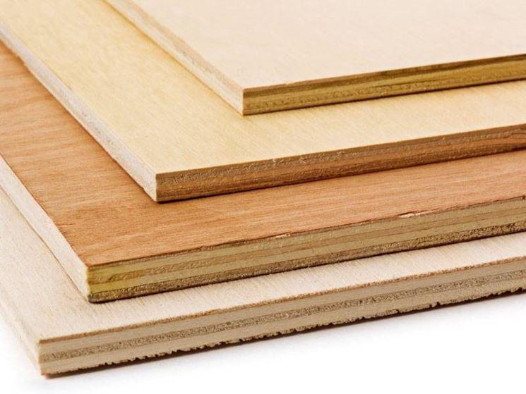 pezzi di legno compensato