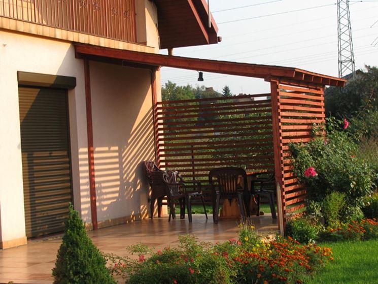 Una piccola veranda in legno