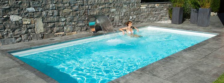 Caratteristiche delle piscine in vetroresina lavorare il - Piscina in muratura ...