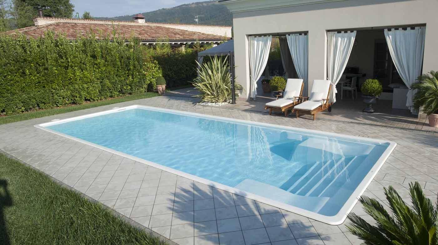 Caratteristiche delle piscine in vetroresina lavorare il for Cloro nelle piscine