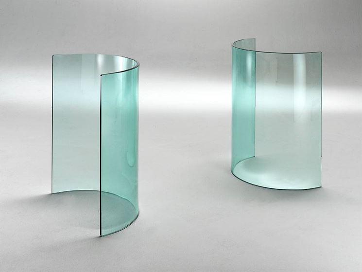 Una lastra di vetro curvato