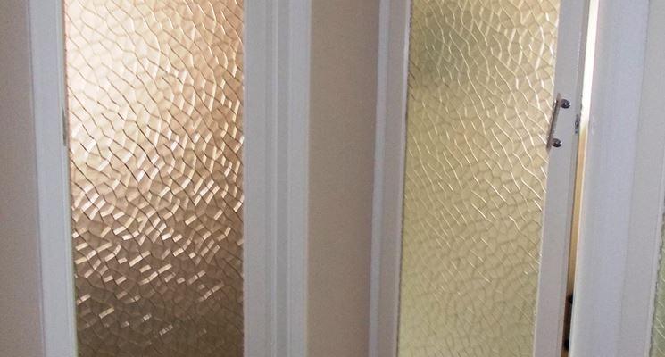 Come realizzare porte con vetri lavorare il vetro - Insonorizzare porta ...