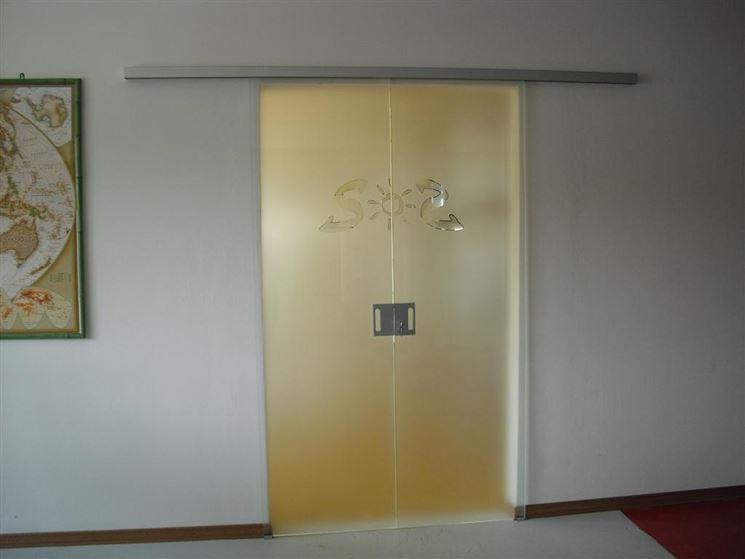 Porta in vetro colorato per interni