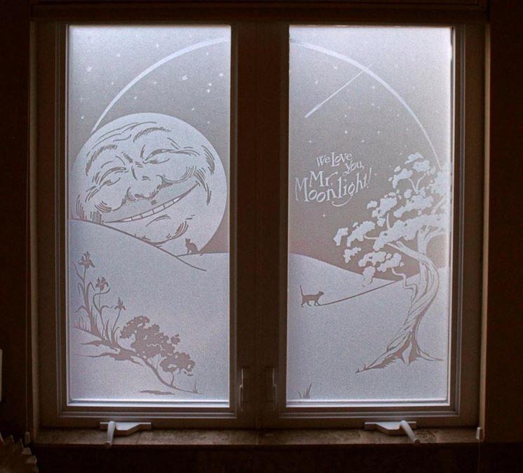 Finestra con vetro sabbiato