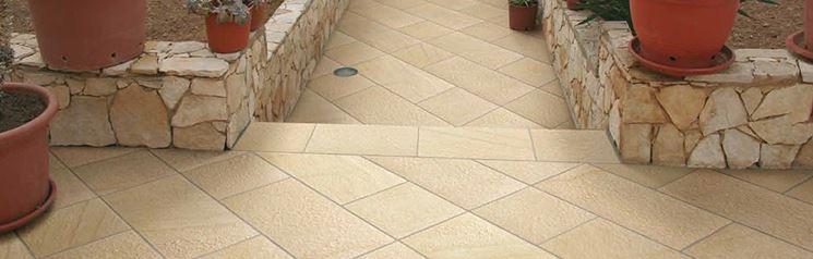 Realizzazione pavimentazione esterna in pietra Bargiolina