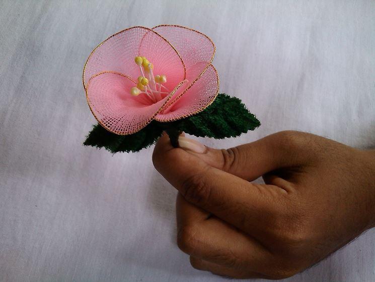 realizzare fiori con i fili