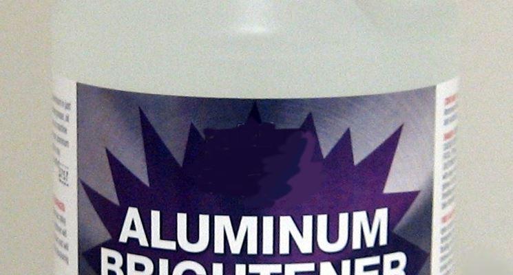 Prodotto per lucidatura dell'alluminio