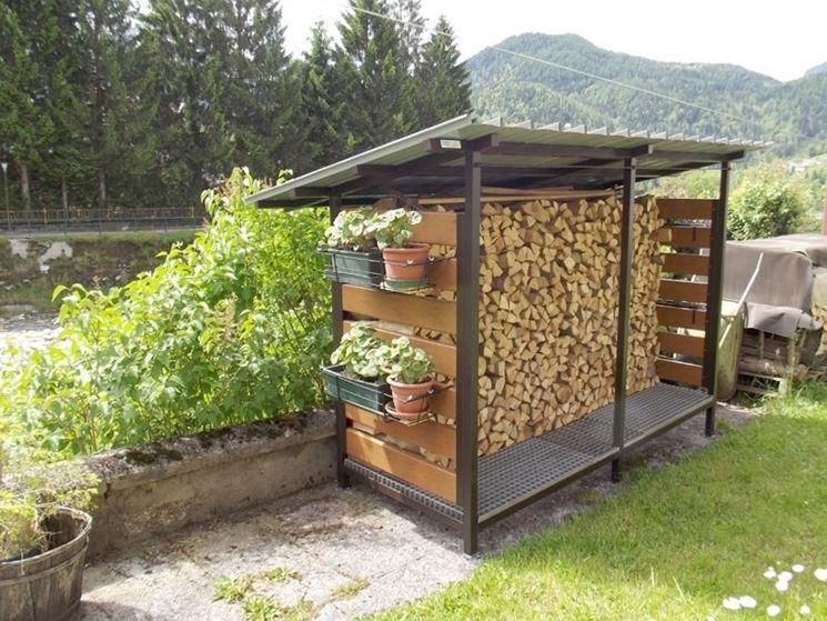 Realizzare una legnaia fai da te tecniche di fai da te for Costruire compostiera