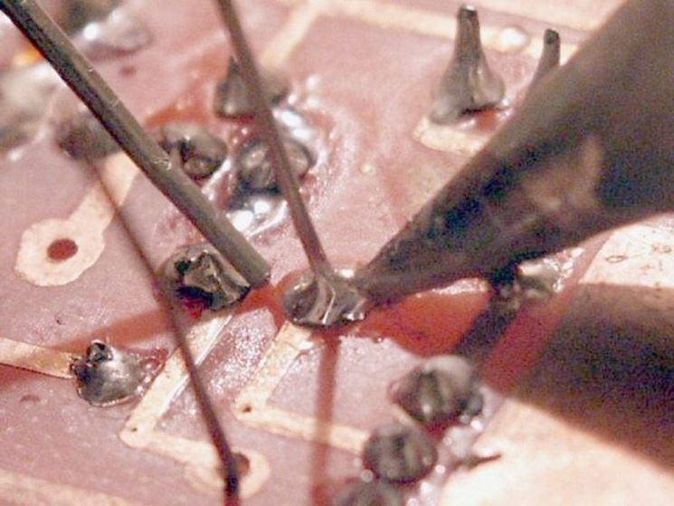 Saldatura a stagno di circuito stampato