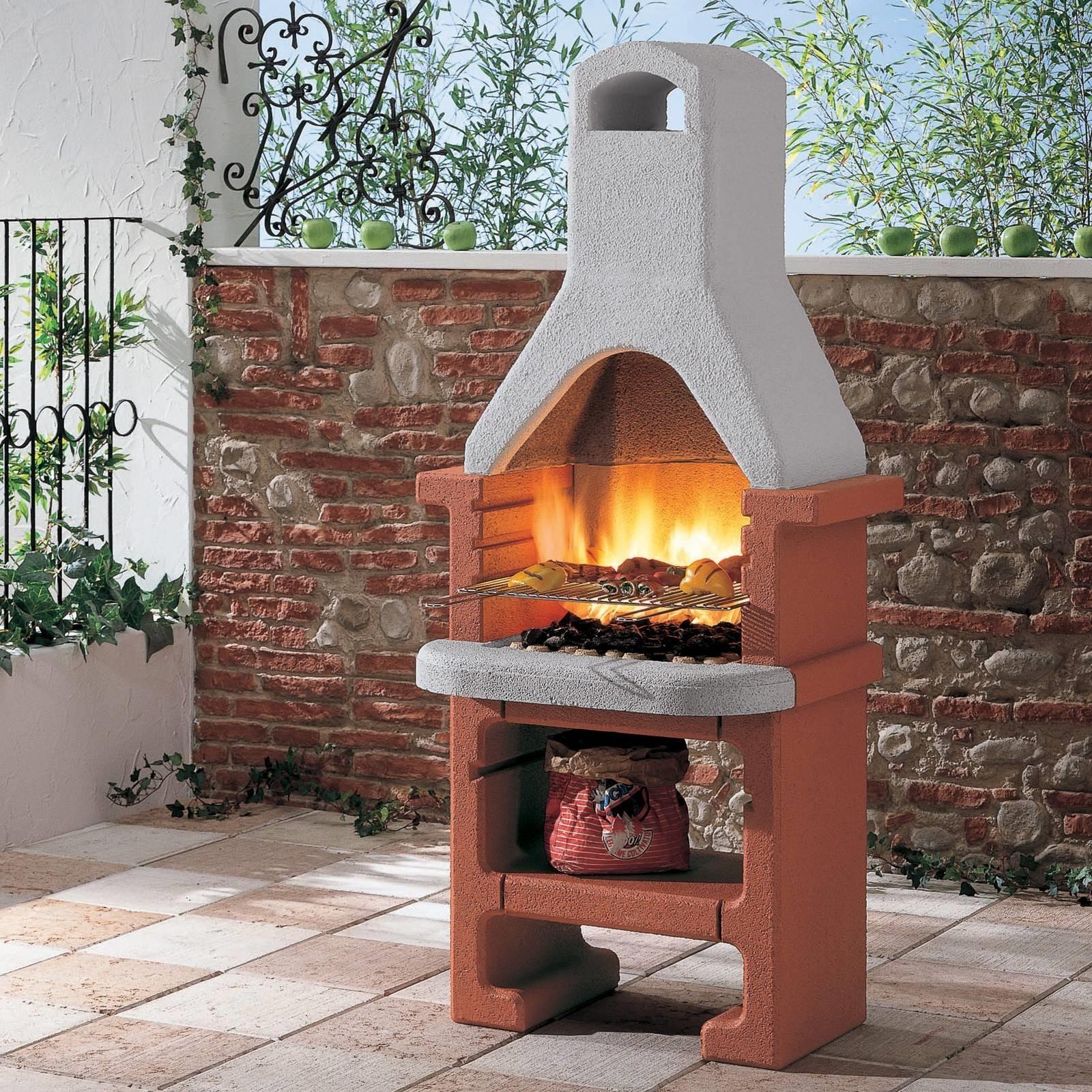 Costruire barbecue in muratura arredamento per giardino - Bbq da giardino ...