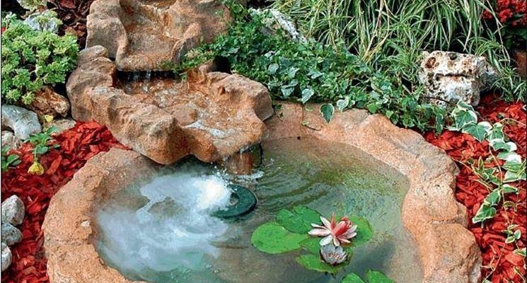 Piccole fontane da giardino laghetto bracciano bacino for Piccole cascate da giardino