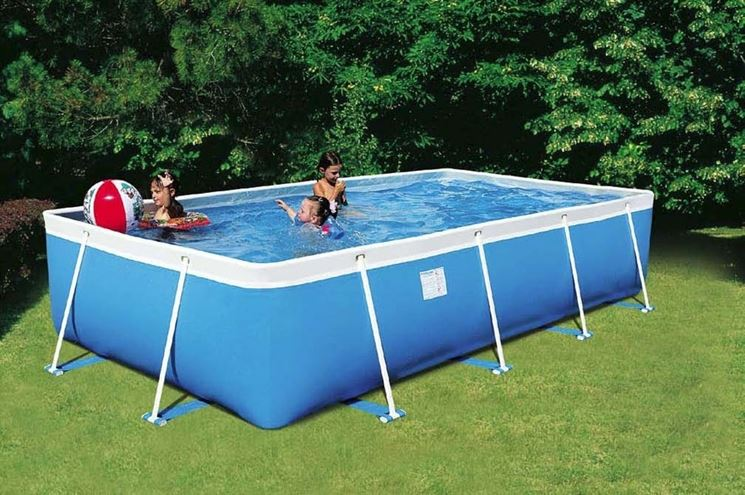 Realizzare un piscina fai da te arredamento per giardino for Piscina in un giardino piccolo