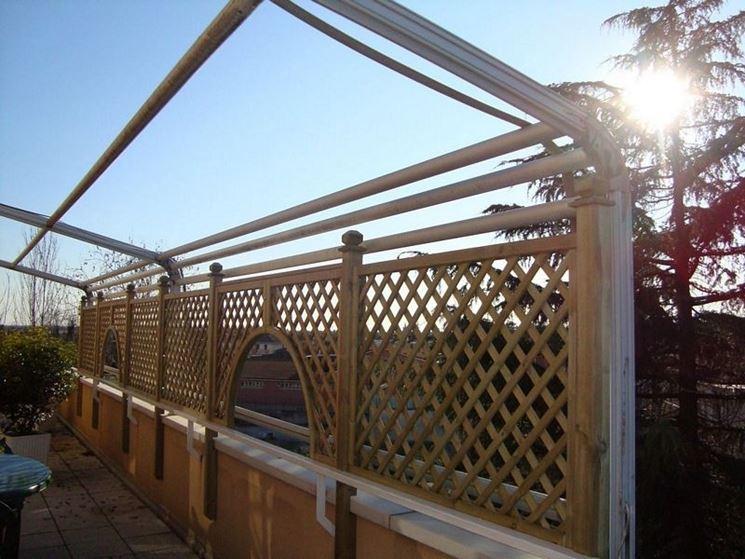 Casa moderna roma italy grigliati in legno per terrazzi for Grigliati divisori