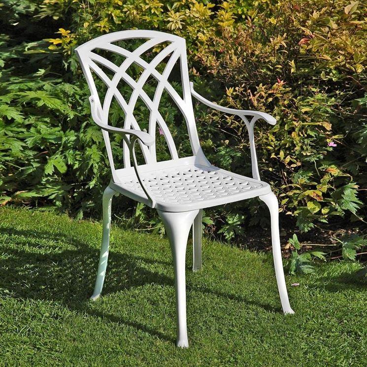 Sedie da giardino arredamento per giardino come - Oggetti per giardino ...