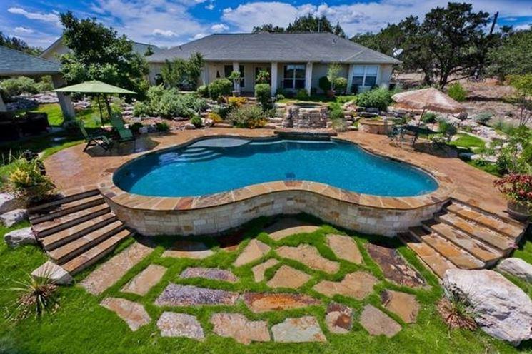 Vantaggi delle piscine fuori terra arredamento per giardino vantaggi delle piscine fuori terra - Piscina fuori terra in giardino ...