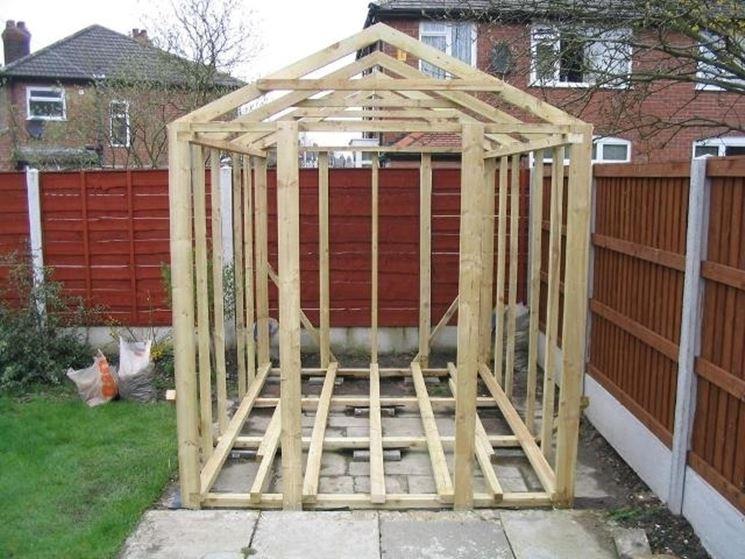 Casa di legno in costruzione