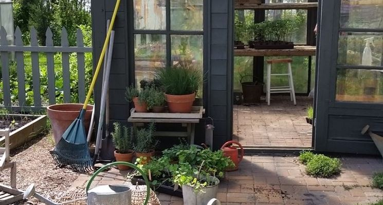 casetta da giardino per piante