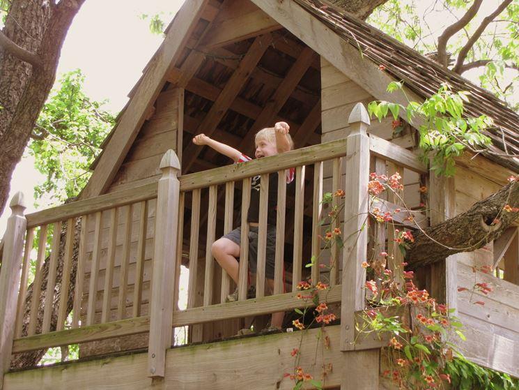 Costruire la casa sull 39 albero casette per giardino for Costruire case