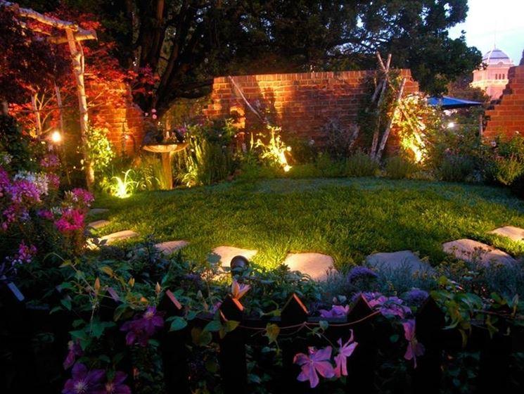 Come scegliere le luci da giardino   illuminazione da giardino ...
