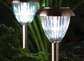 Progettare un giardino illuminato