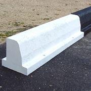 Mattone faccia a vista materiali per giardini mattone for Cordoli per aiuole in tufo