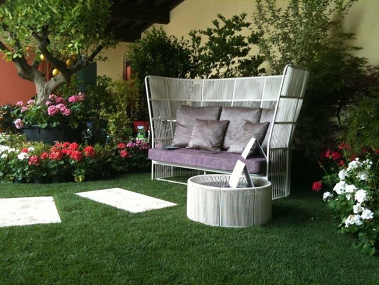 Scegliere gli oggetti per giardino materiali per for Arredo giardino brescia