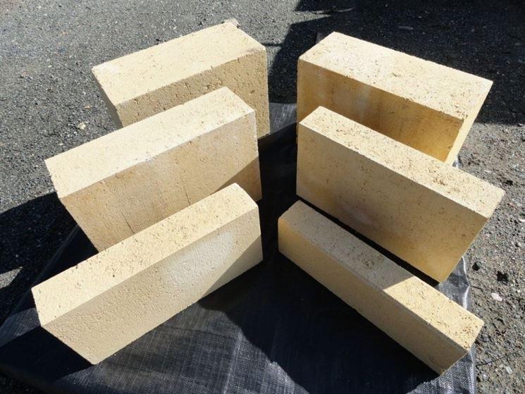 Utilizzo dei blocchi di tufo materiali per giardini for Disegni di blocchi di cemento casa