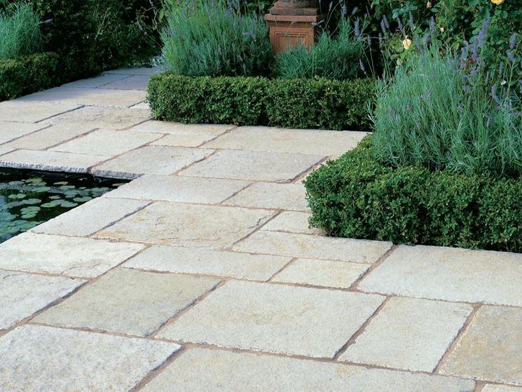 Come pavimentare un giardino idee per il pavimento da for Cordoli per aiuole in tufo