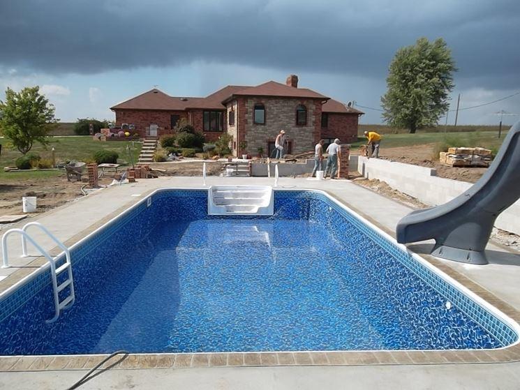 piscina rettangolare interrata