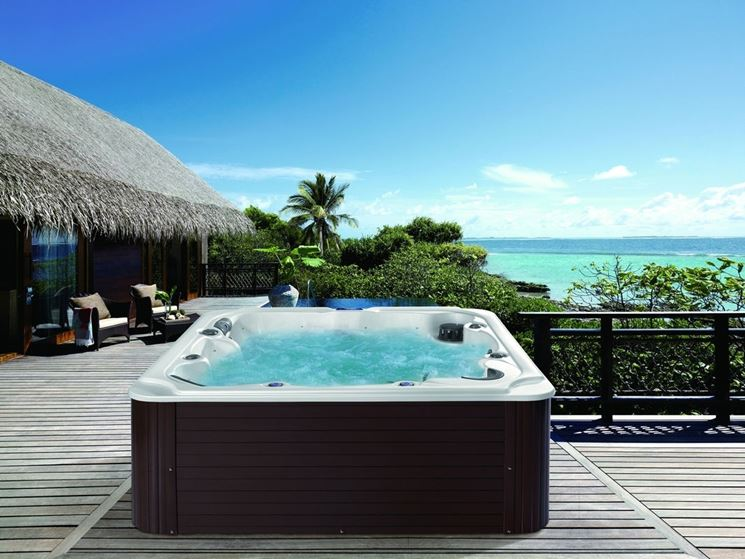 Modelli e prezzi vasche idromassaggio da esterno piscina fai da te caratteristiche delle - Piscina fai da te ...