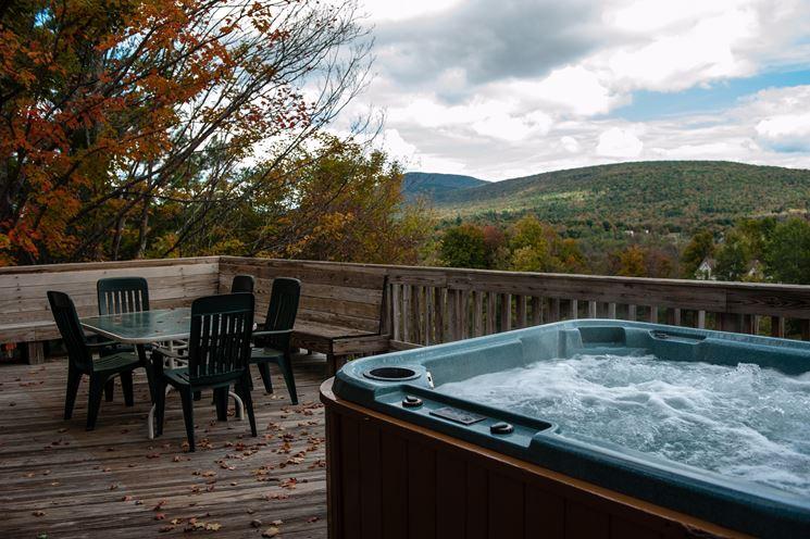 Modelli e prezzi vasche idromassaggio da esterno piscina for Vasca tartarughe da esterno