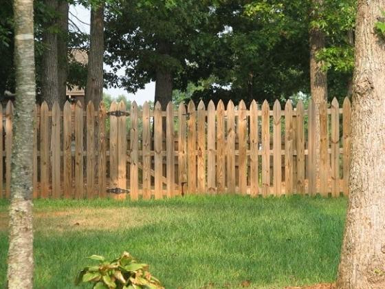 Recinzioni in legno fai da te scelta delle recinzioni - Staccionate in legno per giardini ...