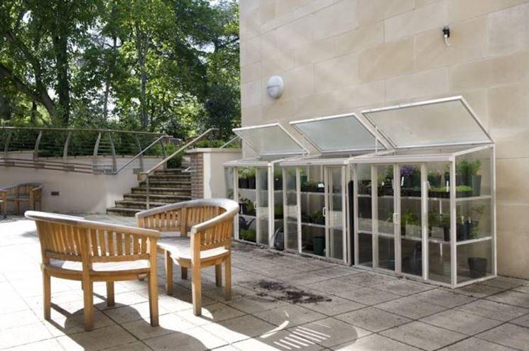 Prezzo delle serre da balcone serre da giardino come for Mini serra da balcone