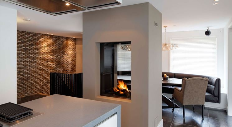 cucina con camino. simple cucina in muratura con camino with ... - Dividere Cucina Dal Soggiorno Con Vetro 2