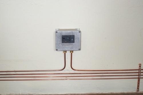 Impianto elettrico esterno gli impianti elettrici come for Scatole elettriche esterne