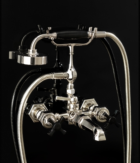 Montare il rubinetto della vasca da bagno gli impianti idraulici come montare il rubinetto - Come montare una vasca da bagno ...