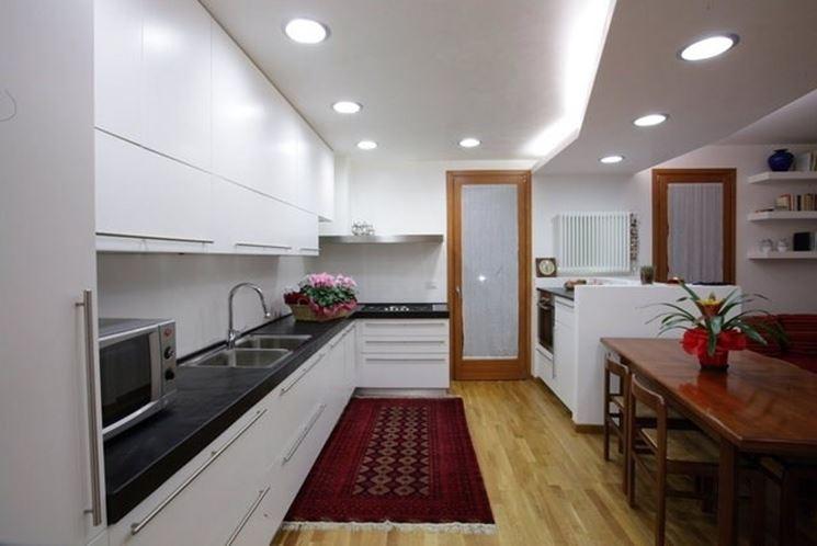 ... la cucina - Illuminare - Impianti di illuminazione per la cucina