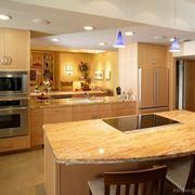 Esempio di illuminazione in cucina
