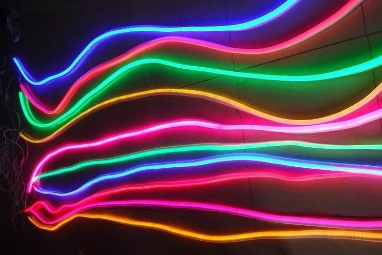 Quanto consuma una luce al neon - Illuminare - Luci al neon, tipologie e consumo