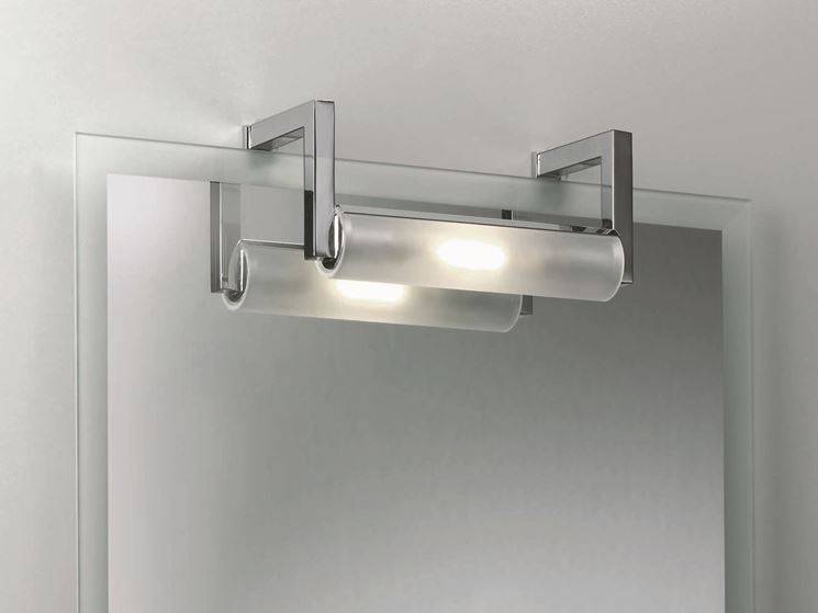 Realizzare l 39 illuminazione bagno illuminare come - Specchio con luci ...
