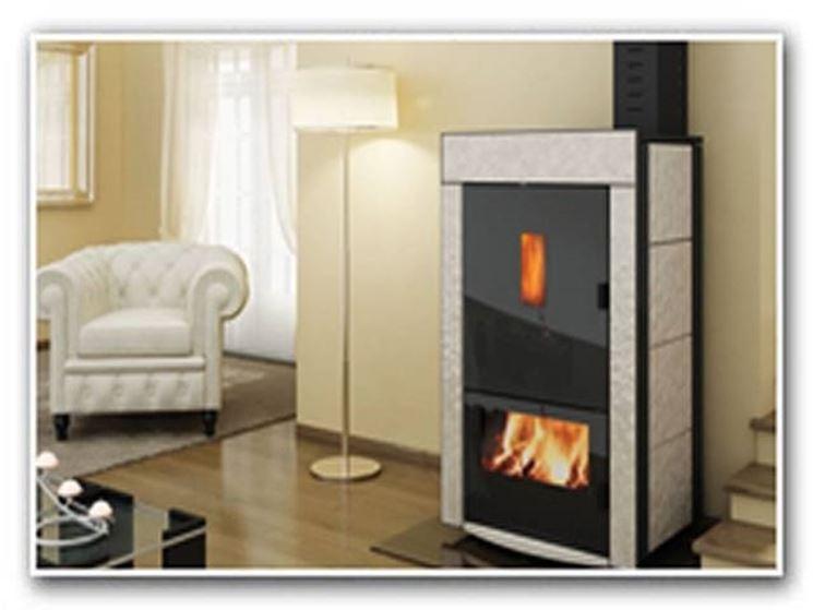 Esempio di termostufa combinata. Fonte: www.maniglio.it
