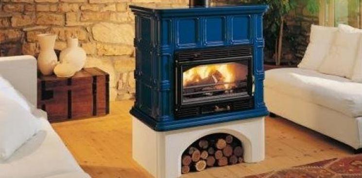 Migliori stufe a legna e pellet le stufe caratteristiche e differenze delle stufe a legna e for Stufe a legna immagini