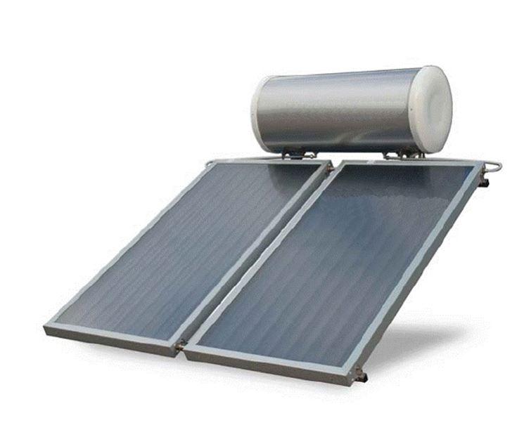 pannelli solari con boiler in alto