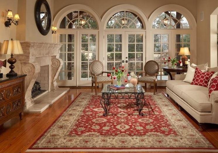 Stanza arredata con tappeto orientale
