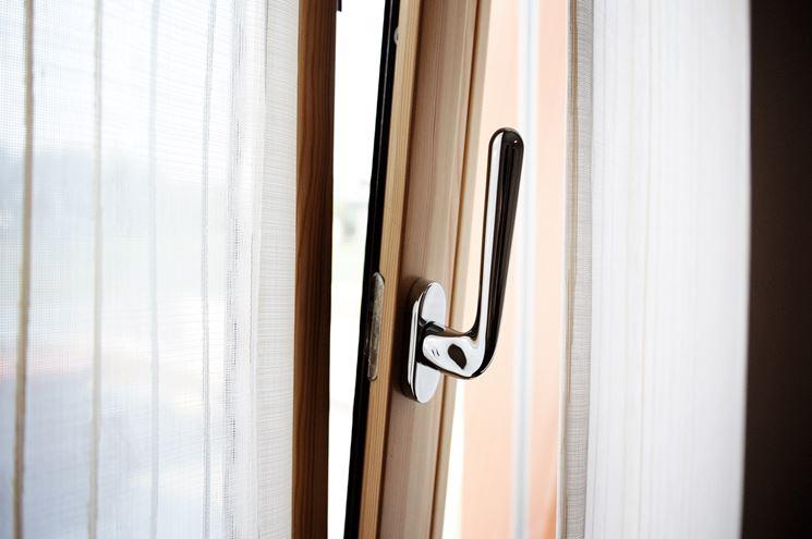 la produzione di serramenti chiavi e serrature i. Black Bedroom Furniture Sets. Home Design Ideas