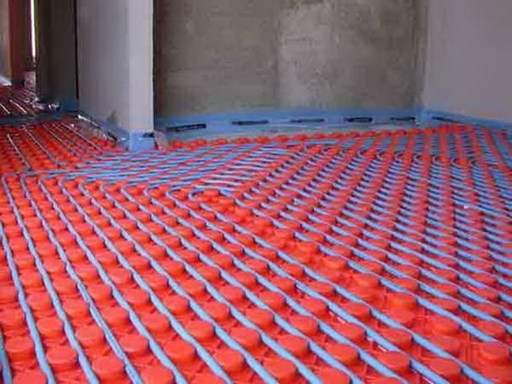 Sistema a pavimento con pannelli.