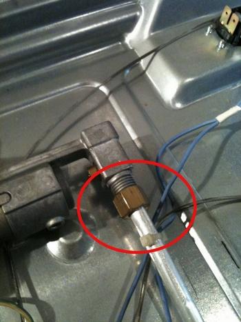 Installare un piano cottura incasso componenti cucina for Collegamento del tubo di rame al pvc