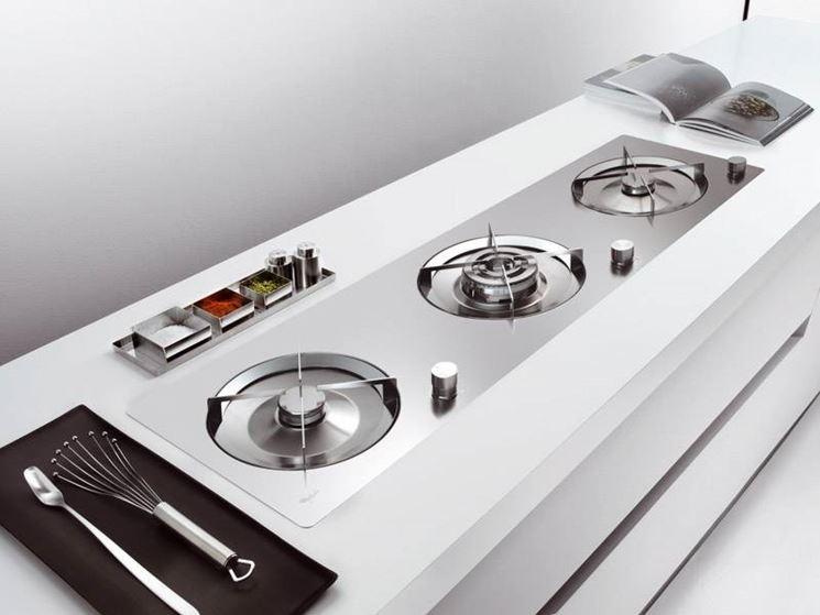 Beautiful piano fuochi cucina photos ideas design 2017 - Fornelli cucina ...