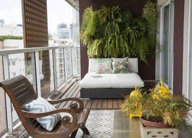Un'idea per arredare il balcone con gusto