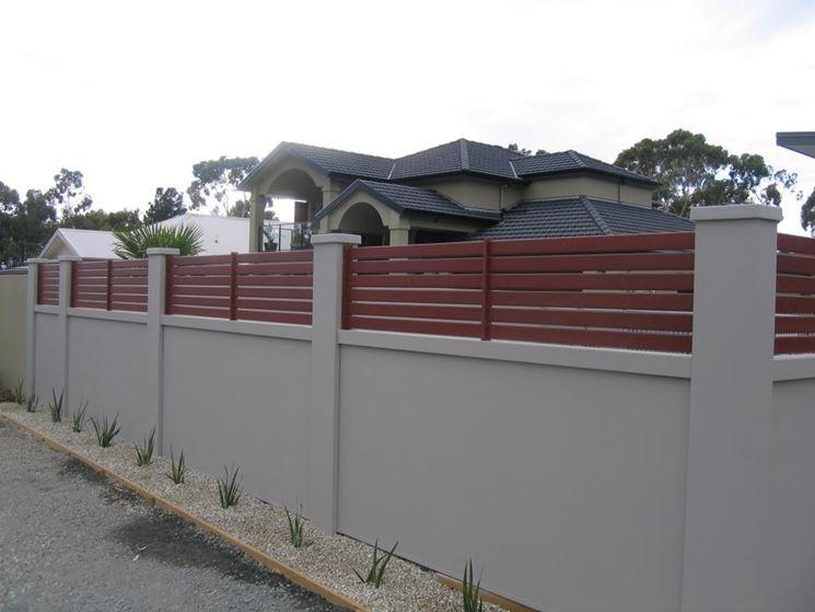 Muro di recinzione di una propriet�